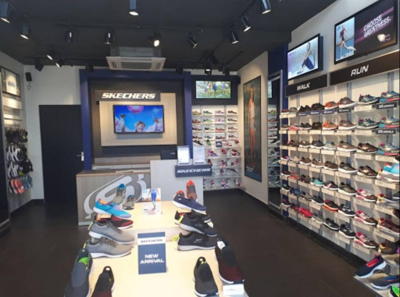 skechers showroom in chandigarh